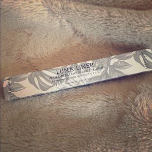 Luna Liner - Water-Resistant Liquid Eyeliner
